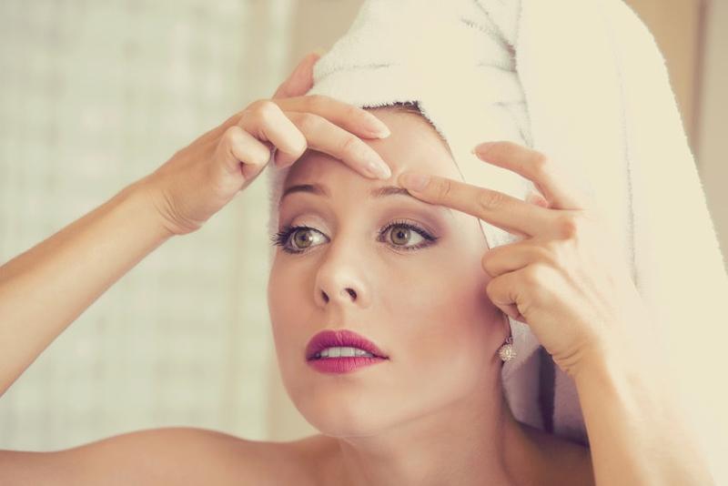 Ce este acneea si cum putem lupta impotriva acesteia?