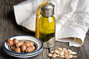 La-ce-poate-fi-folositor-uleiul-de-argan